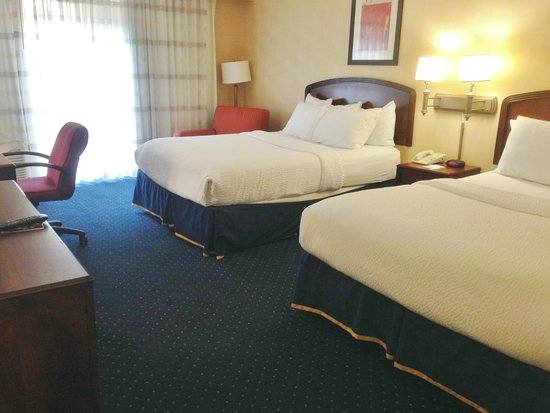 Courtyard Greenville-Spartanburg Airport: Comfy beds