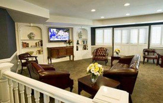 Washington Suites Alexandria : Lobby View