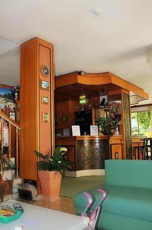 Hotel Tilly: hall