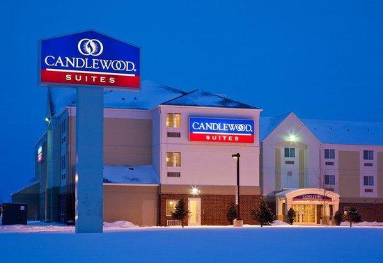 Candlewood Suites Fargo: Hotel Exterior