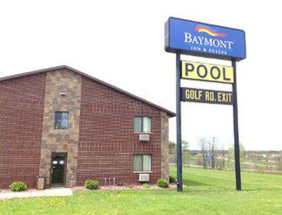Baymont Inn & Suites Eau Claire WI: Welcome to the Baymont Inn Suites Eau Claire WI