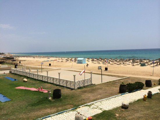 Hotel Club Les Colombes: Beach