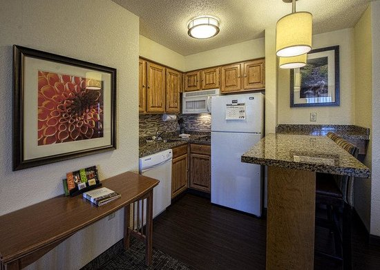 Staybridge Suites Eagan-Mall Of America: 2 Double Beds 1 Bedroom Guest Room