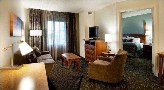 Staybridge Suites Minneapolis Maple Grove: One-bedroom king suites have separate sleeping and sitting areas.