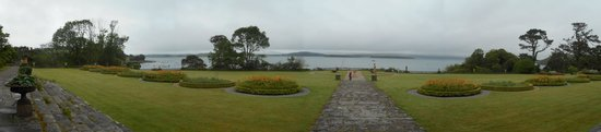 Bantry House & Garden: Bantry House - Back garden panorama