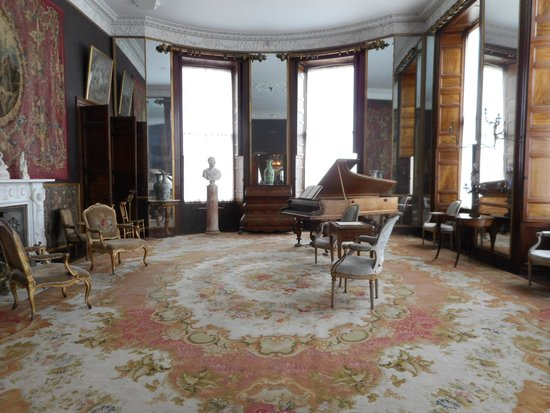 Bantry House & Garden: Bantry House - one of the drawing rooms