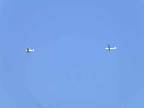 Harris Hill Soaring Center : A glider in tow