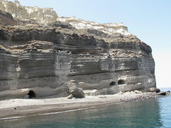 Captain George Santorini Yachting: Aspronisi Island - all ours for the afternoon!