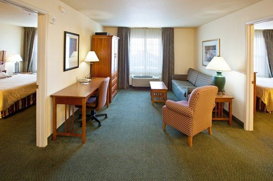 Staybridge Suites South: Room Feature