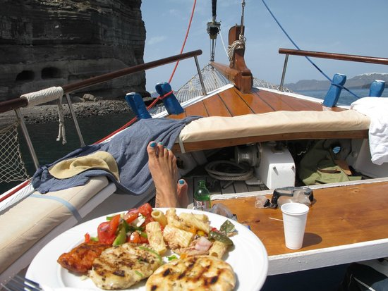 Captain George Santorini Yachting: This is the life!