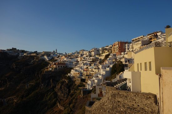 Hotel Keti: 美麗的Fira日落山壁景色