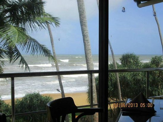 Tangerine Beach Hotel: Sea view from main dining room,