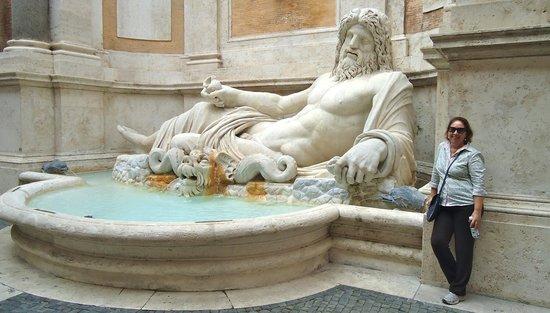 Kapitolinische Museen: Estatua gigantesca e maravilhosa,sem palavras...