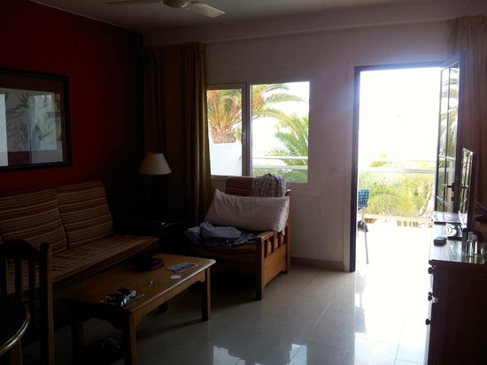 Apartments Parque Tropical: Living Room
