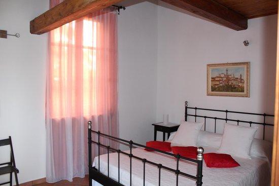 "Bed and Breakfast Cascina Beccaris: Zimmer ""Delfino"""