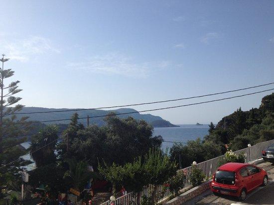Odysseus Hotel: Aussicht Terrasse / Frühstücksbereich