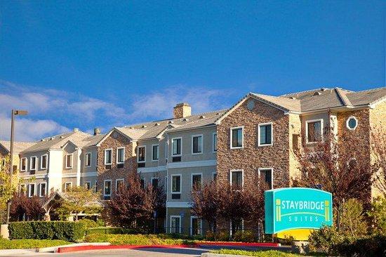 Staybridge Suites Irvine Spectrum/Lake Forest: Hotel Exterior