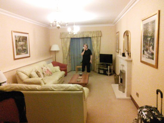 The Parkway Hotel & Spa: The Living Area