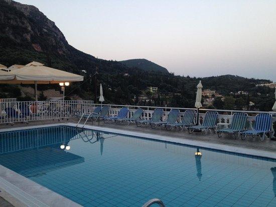 Odysseus Hotel: Poolbereich