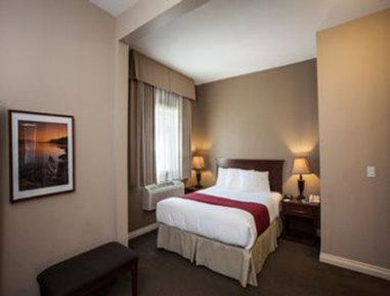 Days Inn & Suites Revelstoke : Executive Suite