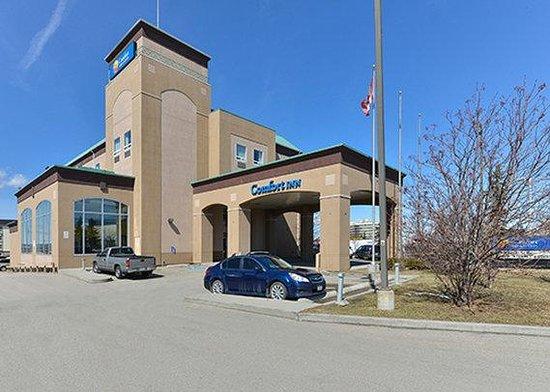 Comfort Inn & Suites Calgary Airport: exterior