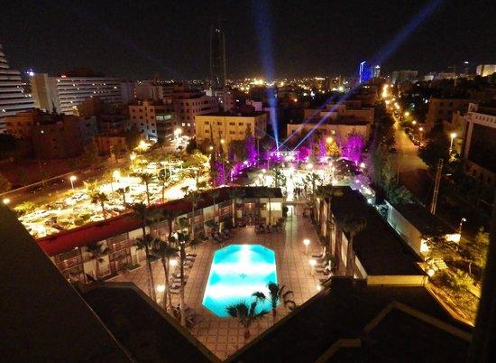 Amman Marriott Hotel : View across pool to evening event