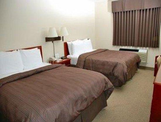 Days Inn - Steinbach : 2 Queen Room