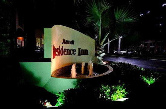 Residence Inn Miami Aventura Mall: Outside