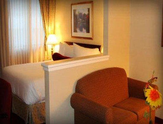 Hotel Chrome Montréal Centre-Ville : Superior Guest Room