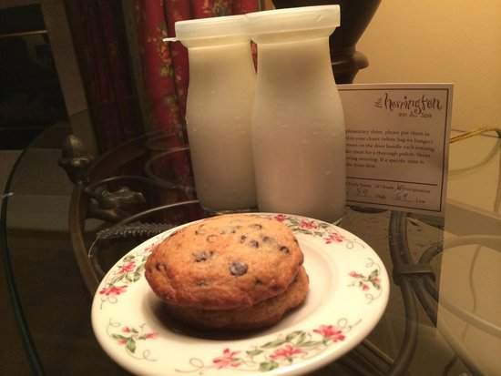 The Herrington Inn & Spa: Milk & Cookies!