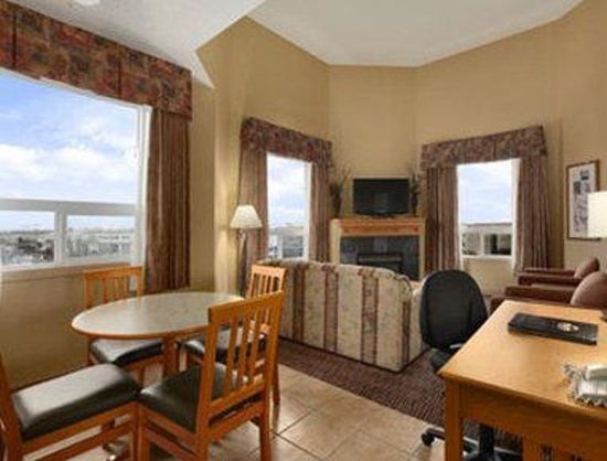 Days Inn & Suites West Edmonton: Suite