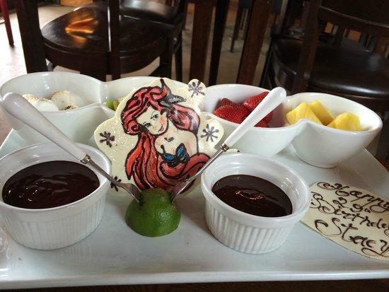 All Chocolate Kitchen : Chocolate fondue & Ariel!