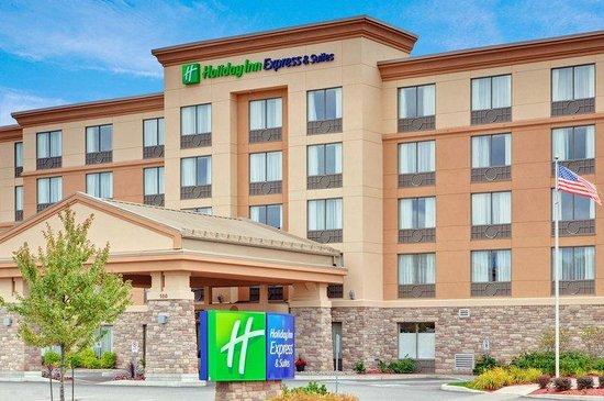 Holiday Inn Express Hotel & Suites Huntsville: Hotel Exterior