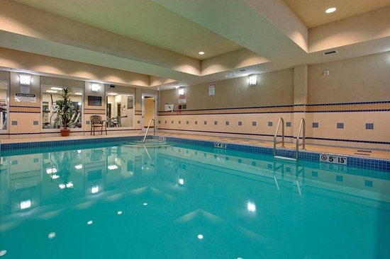 Holiday Inn Express Hotel & Suites Huntsville: Swimming Pool