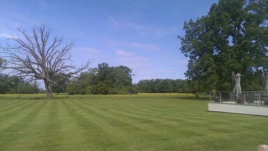 Congham Hall Hotel & Spa: Lawn heaven