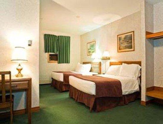 Dutch Inn Hotel: Guest Room