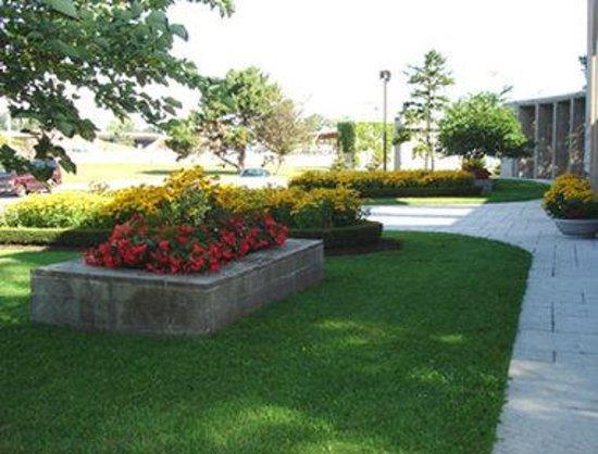 Howard Johnson Inn Fort Erie: Park 1