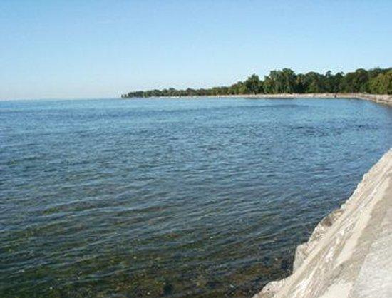 Howard Johnson Inn Fort Erie: Niagara River View