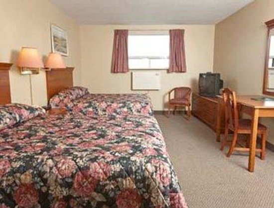 Howard Johnson Inn - Gravenhurst: Two Bed Guest Room