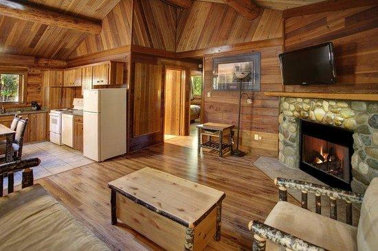 Tigh-Na-Mara Resort: Rustic Cottage