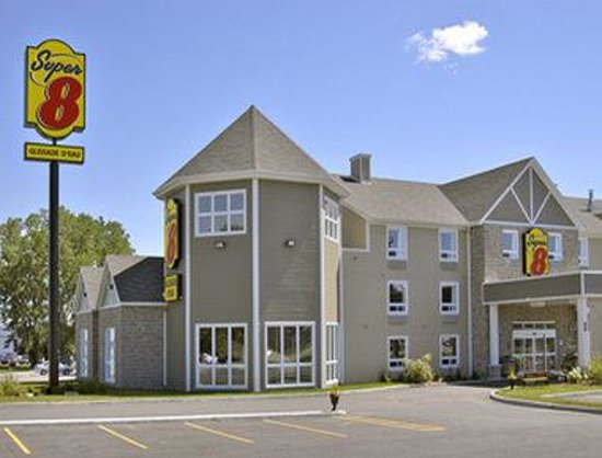Super 8 Trois-Rivieres : Welcome to the Super 8 Trois Rivieres