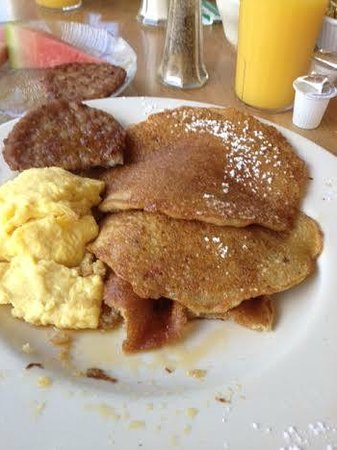Mendon Mountainview Lodge: The best whole grain pancakes