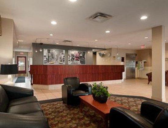 Super 8 Edmonton South: Lobby
