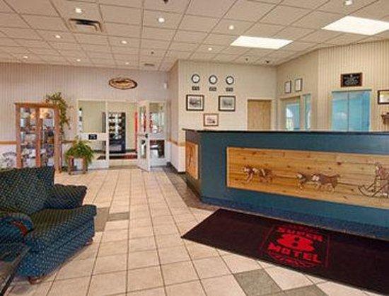 Andersen Inn and Suites: Lobby