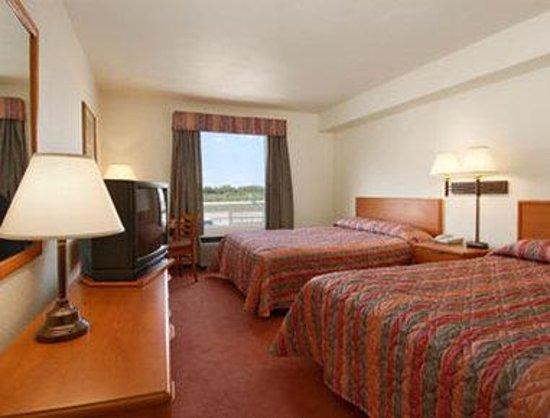 Andersen Inn and Suites: Standard Two Queen Bed Room