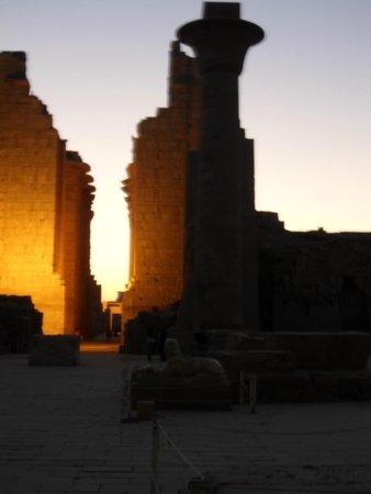 Luxor-Tempel: sol saliente