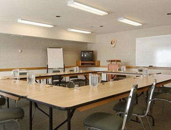 Andersen Inn and Suites: Meeting Room