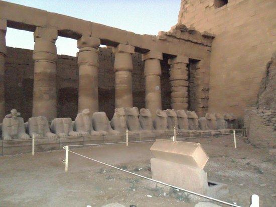Luxor-Tempel: columnas
