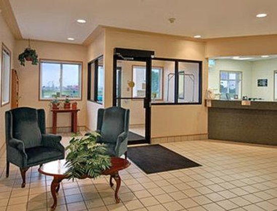Super 8 Moose Jaw SK: Lobby
