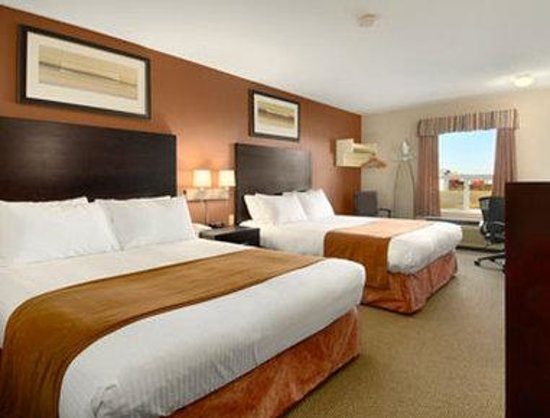 Super 8 Meadow Lake: Standard Two Queen Bed Room